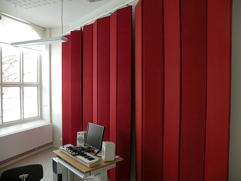 Ljuddämpande textildraperi