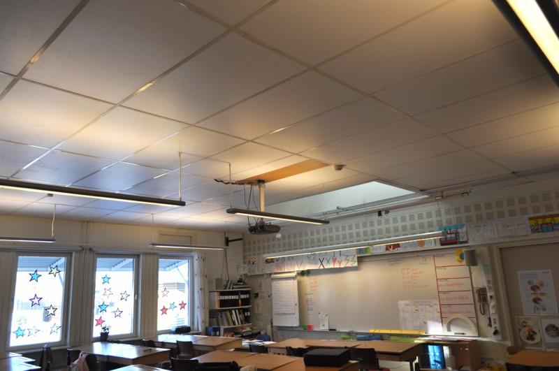Ett exempel på ett heltäckande undertak i klassrum