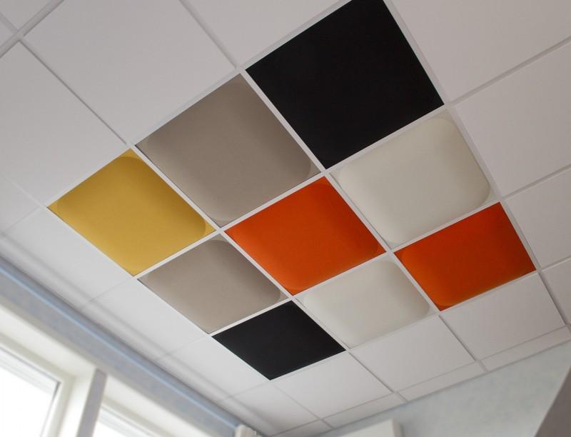Valvett i blandade färger undertak