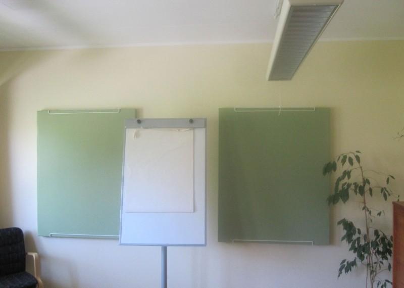 Anslagstavlor i konferensrum/samtalsrum