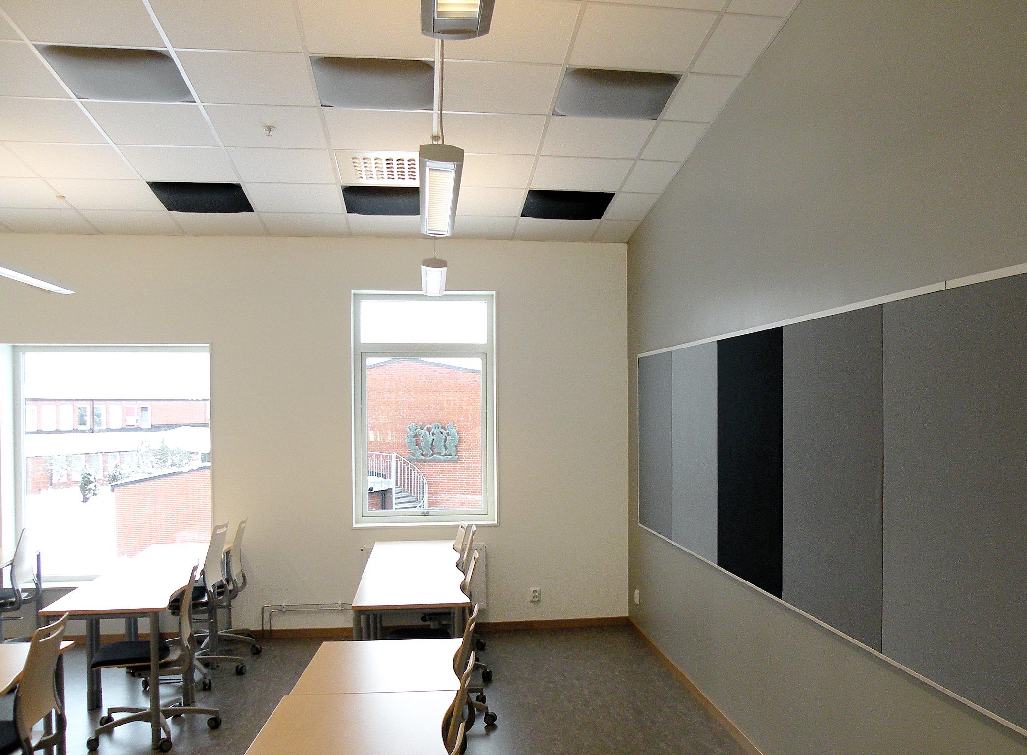 Valvett som matchar Absoflex Anslagstavlor i klassrum på Ållebergsgymnasiet