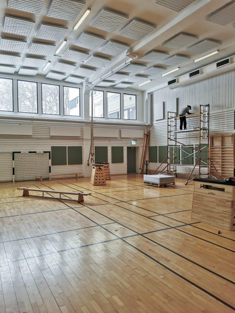 Ljudabsorbenter i gymnastiksal